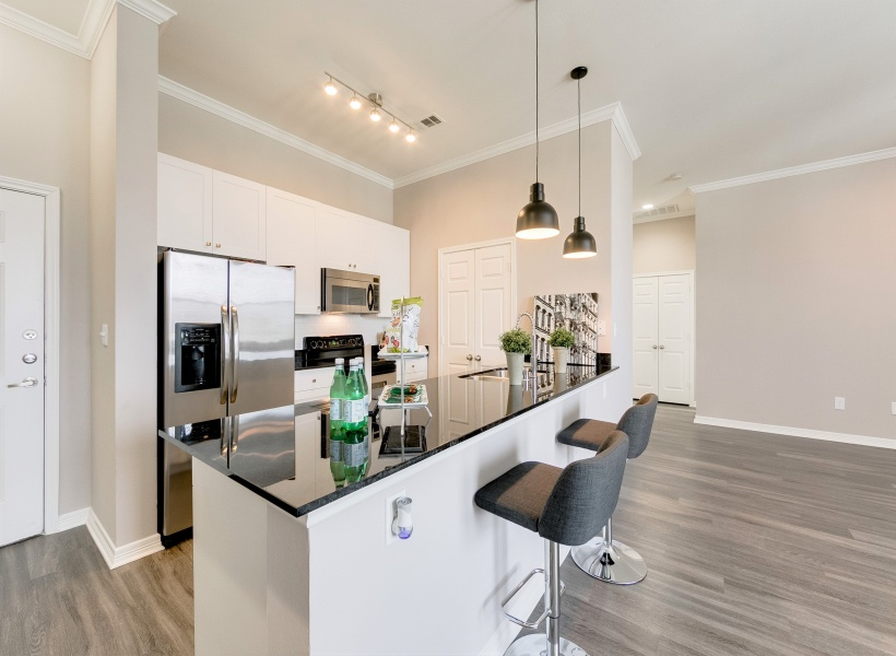 McKinney Uptown Apartment Kitchen